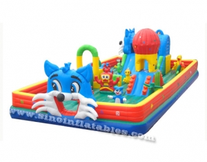 chat heureux enfant gonflable fun land