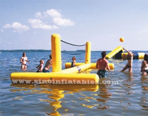 terrain de volleyball aquatique pour adultes
