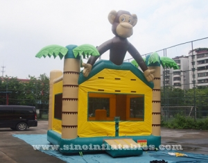 singe de la jungle bounce house avec obstacles