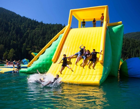 giant floating island inflatable water park