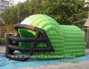 grand tunnel de casque de football gonflable